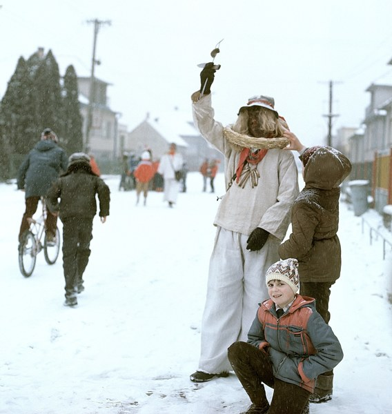 Fašiangová obchôdzka v Borskom Mikuláši 001-02