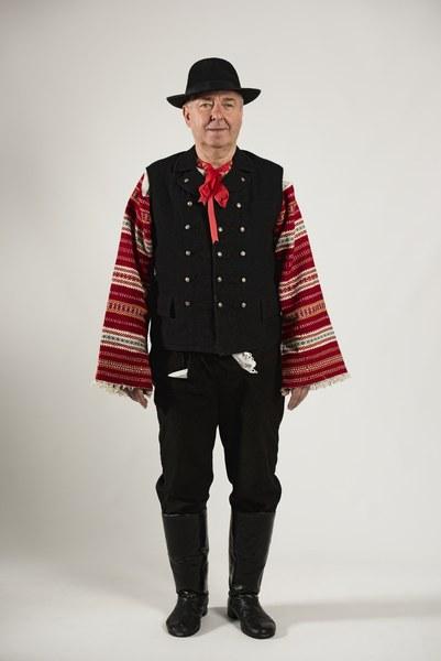 Mužský sviatočný odev z Cífera 002-01