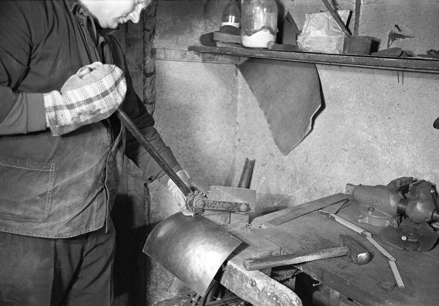 Výroba plechového zvonca 001-02