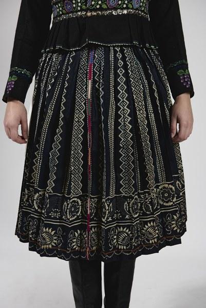 Ženský odev zo Bzovíka 004-03