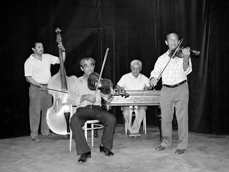 Ľudová hudba Ondreja Radiča z Kokavy 001-01