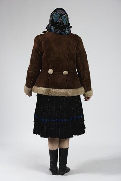 Ženský odev zo Bzovíka 005-02