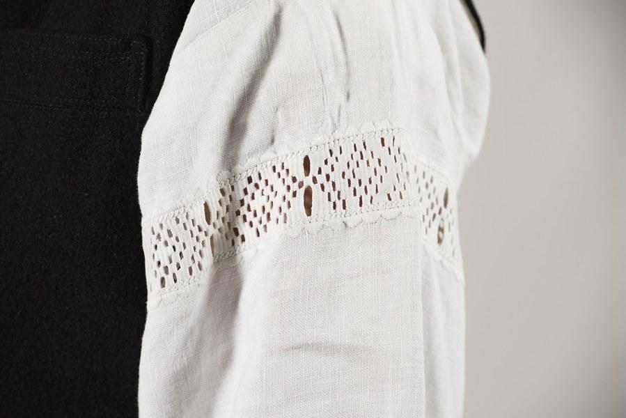Mužský sviatočný odev z Cífera 001-04