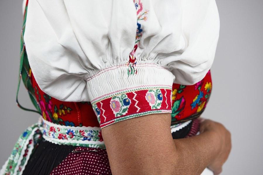 Ženský pracovný odev z Kojšova 001-05