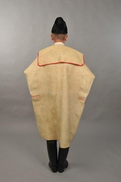 Mužský sviatočný odev z Mokrého Hája 001-02