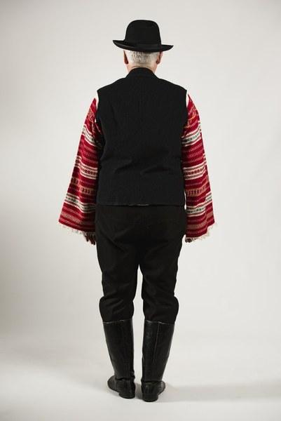 Mužský sviatočný odev z Cífera 002-02