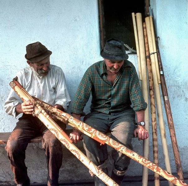 Bratia Sanitrárovci 001-01