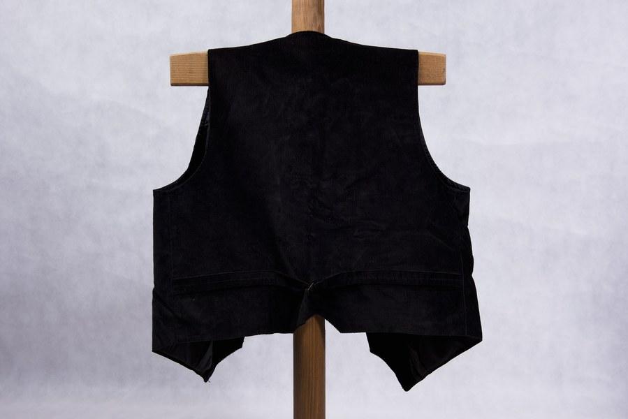 Mužský lajblík z Hrušova 001-02