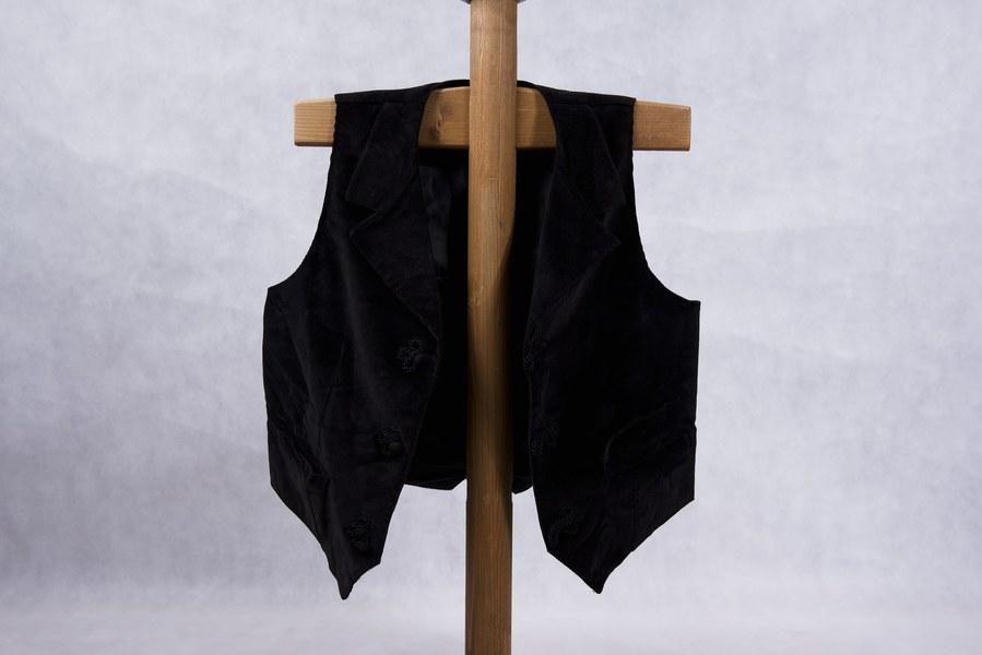 Mužský lajblík z Hrušova 001-01