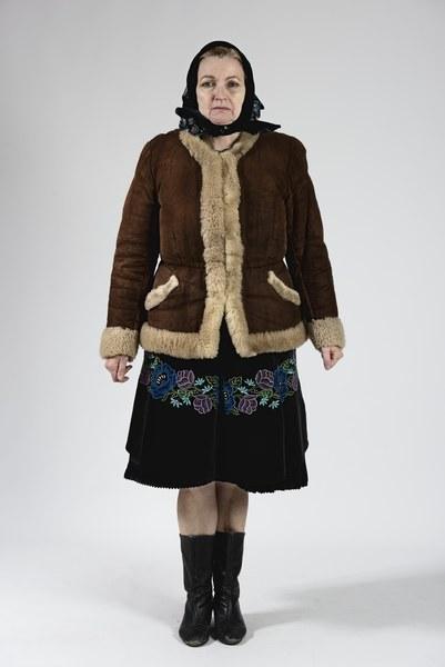 Ženský odev zo Bzovíka 005-01