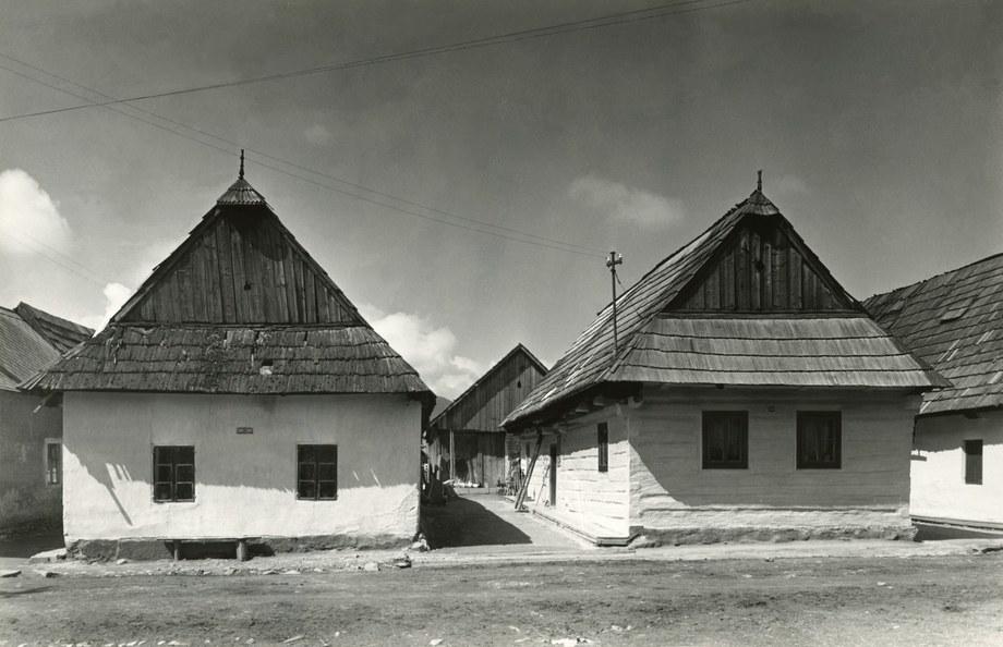 Obytné domy v Hybiach 003-01