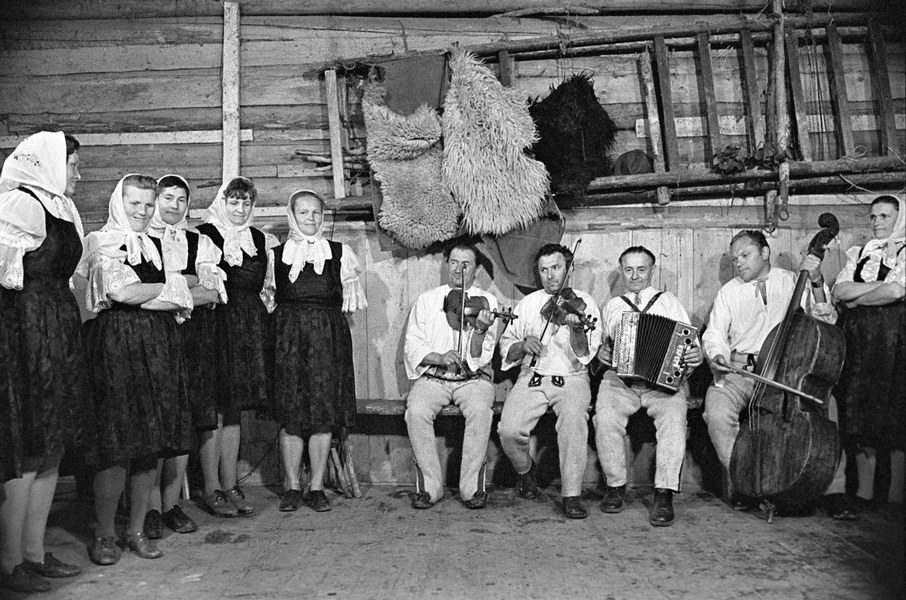 Ľudová hudba z Riečnice 001-01