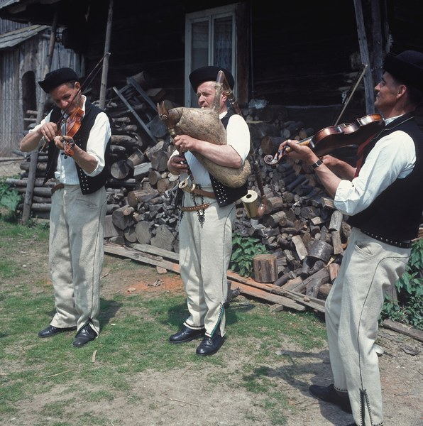Gajdošská ľudová hudba z Oravskej Polhory 001-02
