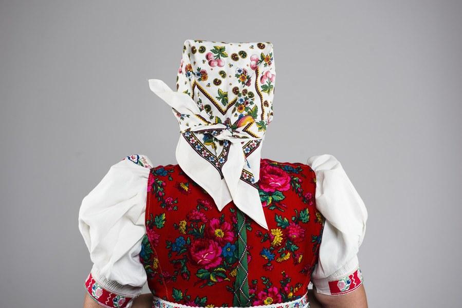 Ženský pracovný odev z Kojšova 001-04