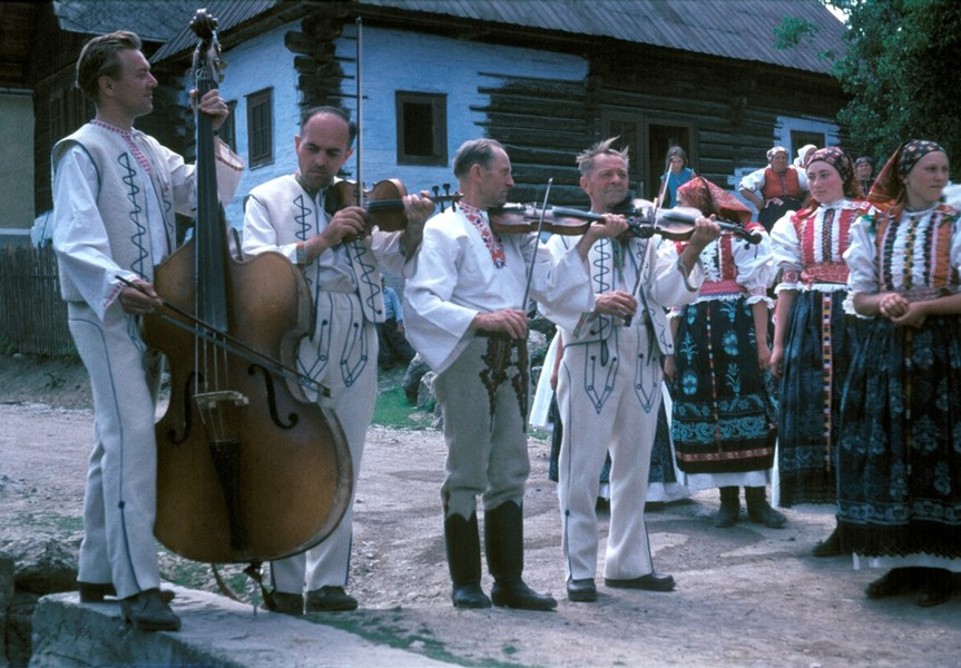 Ľudová hudba súboru Liptov z Ružomberka 003-01